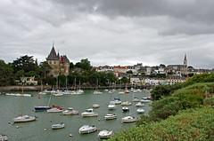 Pornic (Loire-Atlantique) (sybarite48) Tags: haven france castle port puerto boot harbor boat barca barco porto castelo bateau hafen castello chteau kale brace  castillo  burg kasteel d liman  pornic tekne zamek    loireatlantique