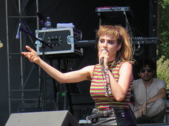 Ryn Weaver at Lollapalooza - Erin Michelle Wüthrich (Peter Hutchins) Tags: summer chicago festival erin michelle il grantpark weaver lollapalooza 2015 lolla ryn wüthrich rynweaver lolla15 erinmichellewüthrich rynweaverrynweavergrantpark