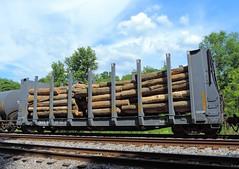 GLVX 24 (2) (Proto-photos) Tags: marionplywoodcorp connellsville pennsylvania pulpwood loaded bulkheadflatcar railcar freightcar train railroad rollingstock glvx 24 logs lp lo26