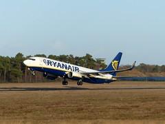 Boeing 737 Ryanair (TrickyMartin2006) Tags: ryanair boeing flugzeug aircraft jet airport weeze niederrhein nrn loco