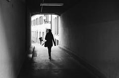 passage confrontation (gato-gato-gato) Tags: 35mm asph ch iso400 ilford ls600 leica leicamp leicasummiluxm35mmf14 mp mechanicalperfection messsucher noritsu noritsuls600 schweiz strasse street streetphotographer streetphotography streettogs suisse summilux svizzera switzerland wetzlar zueri zuerich zurigo z¸rich analog analogphotography aspherical believeinfilm black classic film filmisnotdead filmphotography flickr gatogatogato gatogatogatoch homedeveloped manual rangefinder streetphoto streetpic tobiasgaulkech white wwwgatogatogatoch zürich manualfocus manuellerfokus manualmode schwarz weiss bw blanco negro monochrom monochrome blanc noir strase onthestreets mensch person human pedestrian fussgänger fusgänger passant