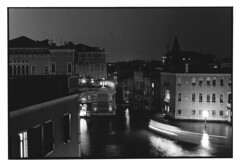 Canallasso at night November 2015 (knjy) Tags: nikonf2 50mmf14nikkor milfordhp5 lc29 scannedsilvergelatinprint november2015 venice
