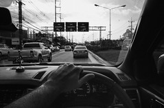 partir (polo.d) Tags: partir en couille vrille sucette humour road route traffic voiture car driving conduire pov nir monochrome wheel volant voyage trip