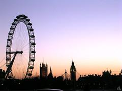 London Skyline / Horizon londonien (vemma) Tags: sunset london skyline scenery londoneye bigben londonskyline cotcmostinteresting purplewednesday fcsetsrises