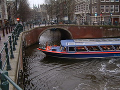 Boat in the Prinsengracht Canal (Danburg Murmur) Tags: netherlands amsterdam geotagged boat canal nederland prinsengracht prinsengrachtcanal koninkrijkdernederlanden geo:lat=52376657 geo:lon=4884492