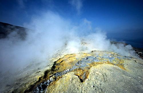 Sulfur on Vulcano - Copyright by Martin Liebermann