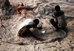 Mozambique 6 (babasteve) Tags: africa fishermen mirrorsofsociety nets mozambique babasteve top2513 itsonginvite itsong–nikonfm2 itsong–mirrors–africa steveevans