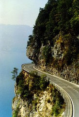 Thunersee, Switzerland (Steve T (afka A knight who says Ni)) Tags: road deleteme5 deleteme deleteme2 deleteme3 deleteme4 switzerland saveme4 saveme5 saveme6 saveme savedbythedeletemegroup saveme2 saveme3 saveme7 saveme10 saveme8 saveme9 flickrzen weeklysurvivor thunersee saveme11 saveme12 saveme13 saveme14 bfv100 landscapebfv100 akwsn