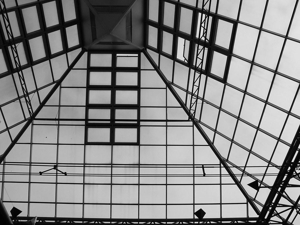 station rijswijk ceiling