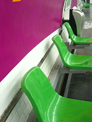 L'odeur du mtro. (Tendance Flou) Tags: urban white paris green subway purple parismetro metropolitain insidethesubway tendanceflou