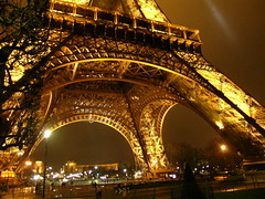Tour Eiffel - Paris (France) (Meteorry) Tags: paris france night lights europe tour steel eiffeltower toureiffel nuit meteorry