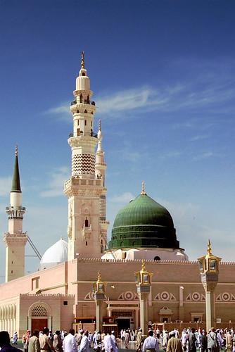 Prophet's Mosque - Medina, Saudi Arabia by Shabbir Siraj.