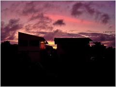 sunrise (LeonR.) Tags: brazil praia beach sunrise florianpolis frias fotolog santacatarina vacations nascerdosol
