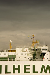 Frontlit cargo ship (Jimmy Whippet) Tags: storm 20d boat sydney cargo frqc