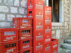 Coke and Karlovacko: reds rulez! (Snazzo) Tags: 2005 vis croatia vacanze snazzo holyday mediterranean