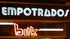 buk (la estetica industrial) Tags: corazÓn de neÓn corazón neón