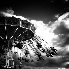The Ex Swing Thing (Mute*) Tags: theex sky toronto cne swing mrbernardherriman