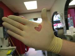 A love glove @ the H. (Busiavka) Tags: 2005 usa america hands hand unitedstates heart object touch newengland hold