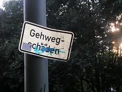 Gehwegschden und Pflaster (bartholmy) Tags: signs berlin schilder sign tag dirty sidewalk schild bandaid trottoir pflaster brgersteig gehweg gehwegschden aslant dreckig schief stickingplaster