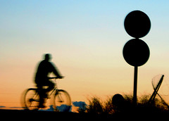 Cycling (Victoriano) Tags: sunset shadow orange mountain bike bicycle silhouette dawn cycling spain cyclist shadows mountainbike granada figure biker society armstrong daybreak nightfall society1 flogr
