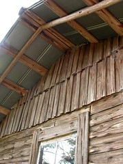Log House Built by Mr. Weaver (Old Shoe Woman) Tags: usa georgia southgeorgia dilosep05 loghouse handmade wood tinroof mrweaver dilosept05
