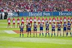 time nacional de AFL, Australian Football. Nota-se como os jogadores são bem mais fortes do que os do nosso futebol