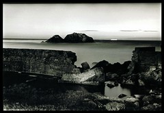 Silent Sea (Jennifer Hattam) Tags: ocean sf sanfrancisco nightphotography blackandwhite bw film night rocks sutrobaths nocturne nikonstunninggallery sfchronicle96hours sfchronicle96hrs utatabythesea mission75 jhflickrfaves