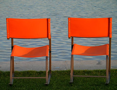 (hn.) Tags: park copyright orange lake germany munich mnchen bayern deutschland bavaria see chair heiconeumeyer europa europe chairs furniture eu mbel europeanunion stuhl muenchen sthle meubles buga copyrighted stuehle buga2005 bundesgartenschau sthle moebel