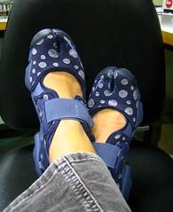 last pair, honest (estherase) Tags: feet shoes findleastinteresting ebay purple trainers nike swirly canonixus40 emssimp