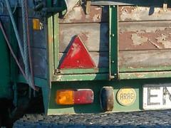 trailer triangle peelingpaint