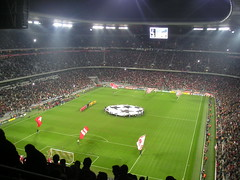 Allianz Arena, Mnchen (poity_uk) Tags: germany munich mnchen bayern football fussball stadium stadiums soccer flags stadion championsleague juventus calcio allianzarena fuball juve footballground fcb fcbayern fcbayernmnchen stadia stadien nachtspiel