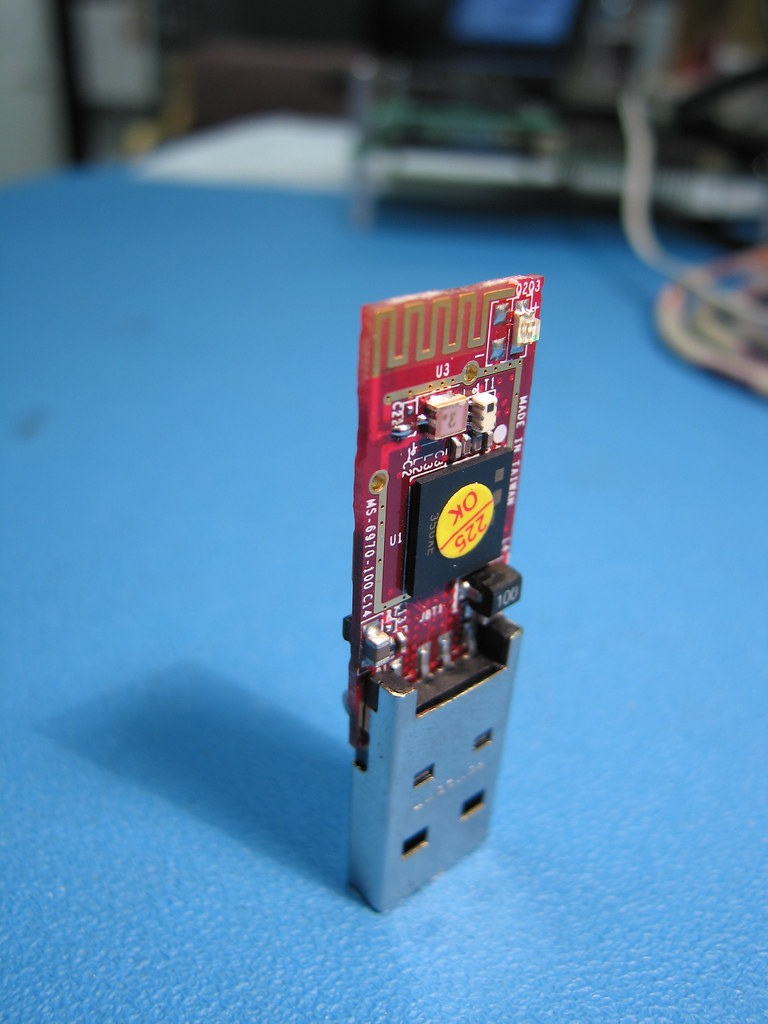 The Worlds Best Photos Of Bluetooth And Circuit Flickr Hive Mind Bluetoothcircuit Amagill Tags Electronic Pcb Blue Red Technology Wireless Microchip Antenna