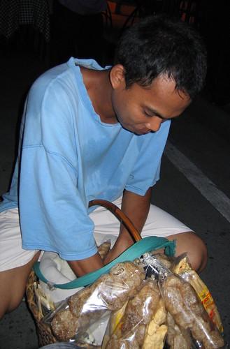 malate balut philippines manila peddler chitcharon pinoy vendor egg city food