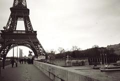 luft balloons (lady_ishmael24) Tags: paris france film 35mm europe bridges eiffel vacations