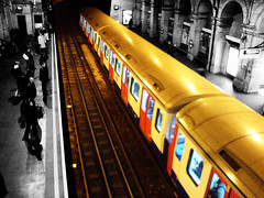 Circle line in meaningless composition (westbound) - by fabbio