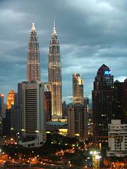 Tyrau Petronas Towers (Meilyr) Tags: petronas malaysia twintowers kualalumpur gwilym cyfle