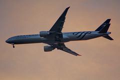 Boeing 777-300ER Air France Sky Team (Bo No Bo) Tags: city urban backlight night spring montral qubec boeing soir 777 printemps ville contrejour airfrance yul urbain 773 boeing777 villeray boeing777300 777300 777300er cyul skyteam parcjarry boeing777300er d7100 boeing773 fgznn afr348