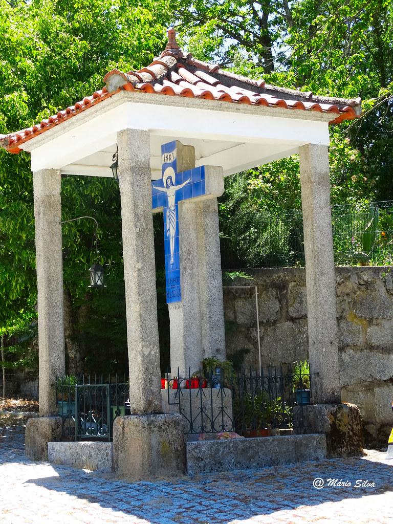 Águas Frias (Chaves) - Cruzeiro do Senhor dos Milagres