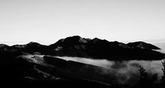 Passo delle radici - Toscana - Italia (2016) (lauratintori) Tags: nikonblackandwhite d7200 nikond7200 nikon italy tuscany atthetop sky lovemountain suggest nocolor white black blackandwhite winter wind clouds cloud mountain mountains carpediem picture pic photo ph lauratintoriph