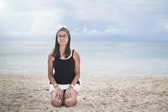 Beach relaxing (Lukas Gonçalves) Tags: beach girl sand sky blu blue sea relax d3100 35mm