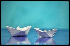 Barchette (1laura0) Tags: macro mondays macromondays justwhitepaper paper boat barchetta mare azzurro navigare sogni foglio carta bianco