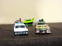 FREEKY RIDES (richie 59) Tags: diecast smallscale winter generalmotors diecastcollection hotwheels mattel 164scale 164 thejettsons inside diecastcars richie59 weekday greenlight diecastautos diecastautomobiles diecastvehicles hotwheelsdiecast thursday smallscalevehicles jan2017 2017 smallscalecars jan192017 ecto1 ghostbusters thefamilytruckster vacation 1959cadillacambulance bubblecar 2010s americancar frontend grill headlights greencar whitecar stationwagon flyingcar fordmotorcompany ford fomoco