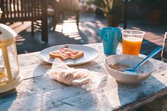 Buenos días (Leo Hidalgo (@yompyz)) Tags: sevilla morning buenos días mañanas desayuno pan cereales zumo mermelada breakfast yompyz cafe coffee