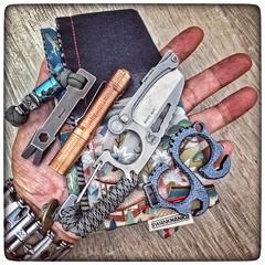 2016-12-24_1412257206635891753 (ndae) Tags: ndae edc gear pocketdump atwoodtools atwoodminiwedgie cpm3v miniwedgie prybar moabead joseph7600 dpxgear dxbeads dpxhit knifeporn foursevens preonp1 copper flashlight kochtools kochsolo titanium edcporn gearporn leatherman leathermantread hank edchank hankerchief swankhanks