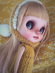 Moji Nomad (Vainilladolly) Tags: cute carved doll ooak teeth blond kawaii nomad blythe freckles custom openmouth takara moji ebl customblythe customdoll samedimarche vainilladolly singingnow singingonthedock