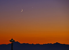 Seattle Sunset (sea turtle) Tags: sunset sky mountain mountains planet spaceneedle jupiter olympics capitolhill olympicmountains