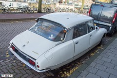 Citroen DS 20 Cyclist Amsterdam Netherlands 2016 (seifracing) Tags: citroen ds 20 cyclist amsterdam netherlands 2016 seifracing spotting services cars vehicles voiture rescue recovery transport traffic
