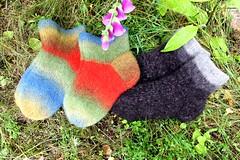 2015.07.29. huovutetut tossut x3 002m (villanne123) Tags: knitting 2015 huovutettu neulottu tossut hahtuva tossukat pirtinkehraamo hahtuvatossut villanne