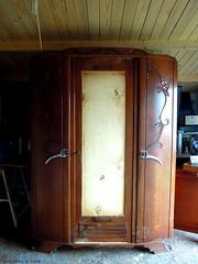 Armoire avant (Ambiances Bois & Patines) Tags: peinture meuble armoire relooking pillotou ambiancesboispatines