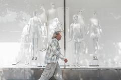MR PALE (Magnus Fröderberg) Tags: gatufoto streetphotograpy street beige pale blek